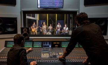 Studio - Thiết bị phòng thu